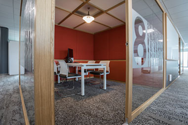 Quiet meeting rooms with acoustic glazed walls from Acoustic Hubs
